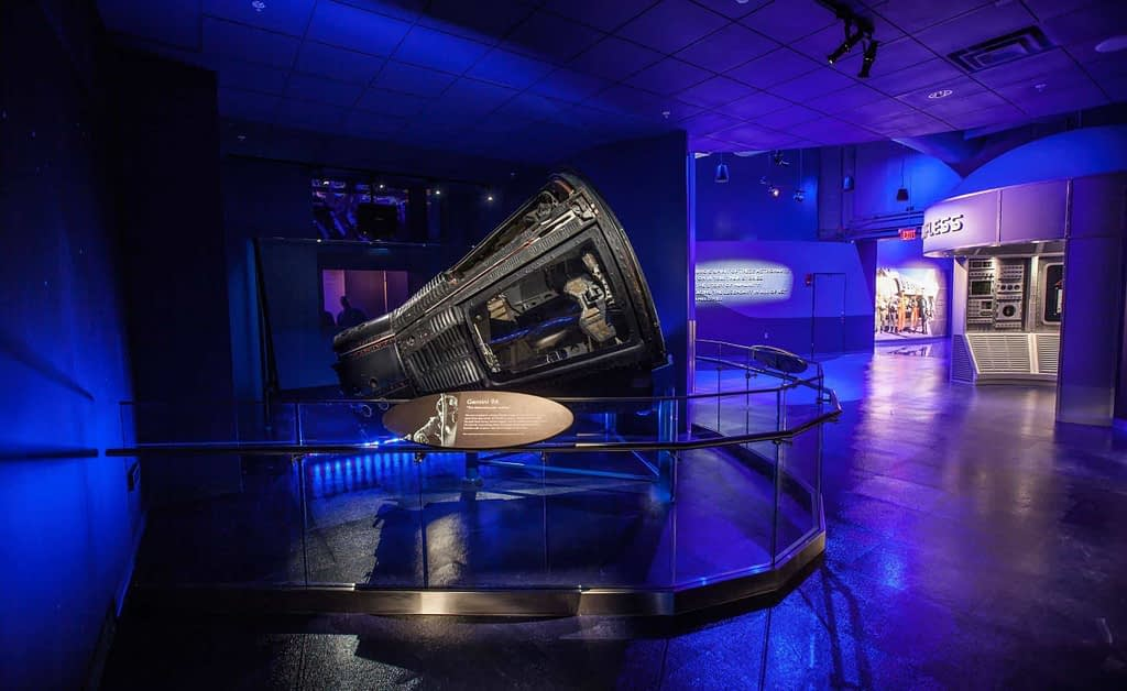 Kennedy Space Center: Heroes and Legends