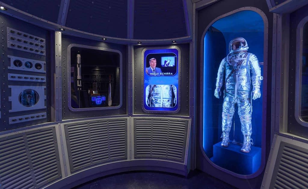 Kennedy Space Center: Heroes and Legends Interactives