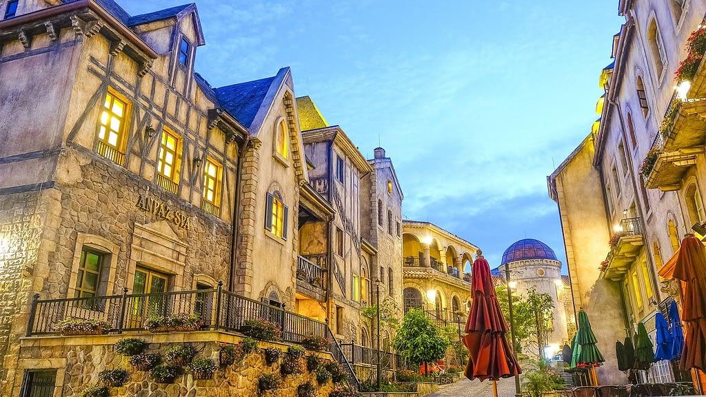 BaNa Hills street view